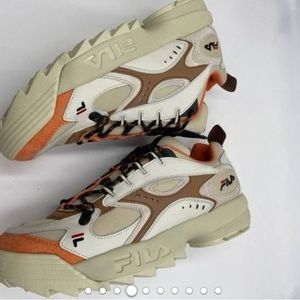🔥 FILA exclusive urban outfitters sneakers